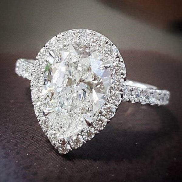 pear cut diamond ring
