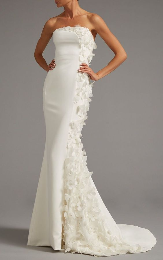 A Strapless Wedding Gown