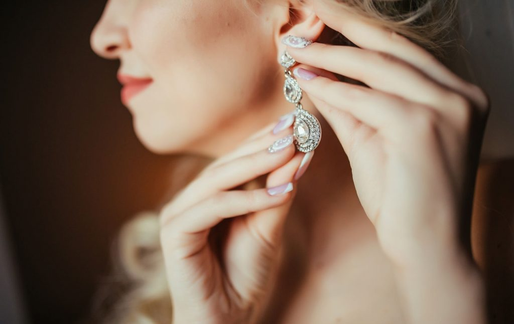 Top Wedding Jewelry Ideas For Any Type of Wedding Gown