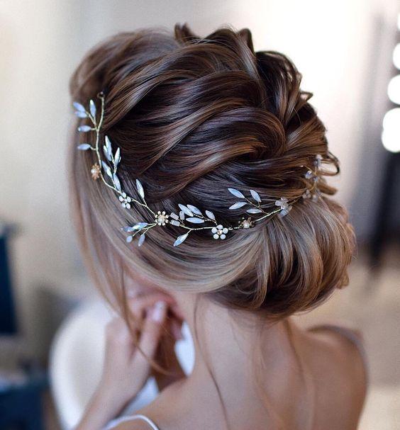Bride wearing bridal wreaths for her wedding